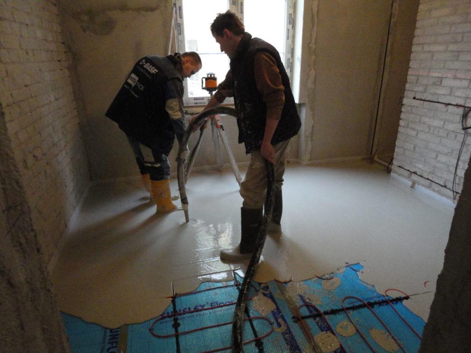 Kooperace při lití anhydritových podlah